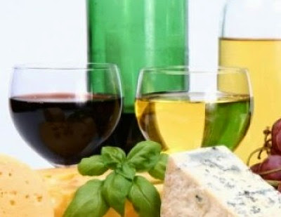 Λευκό vs κόκκινο κρασί: Ποιό μεθάει πιο εύκολα;