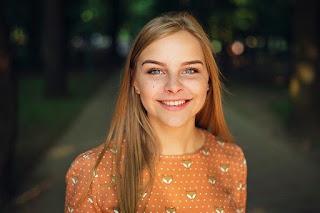girl-model-portrait-smile-smiling