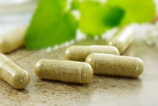 """<img src=""""pastillas-homeopáticas.jpg"""" alt=""""estas pastillas son peligrosas para la salud"""">"""
