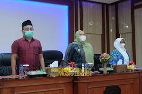 Bupati Masnah Hadiri Pelantikan Ketua Pengurus Badan Kontak Majelis Taklim Kecamatan Sekernan
