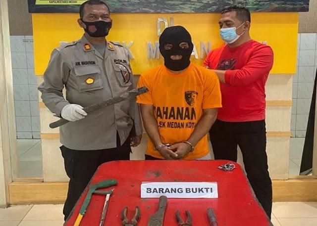 Polisi Tangkap Pencuri Kabel Telkom di Medan yang Beraksi Pukul 3 Pagi.lelemuku.com.jpg