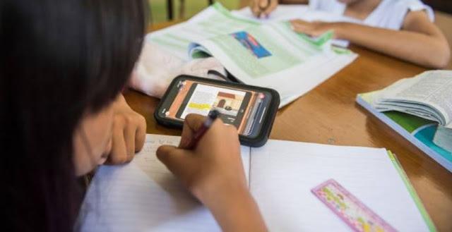 Orang Tua Stres Mengawasi Anak Belajar di Rumah Saat Libur Akibat Corona