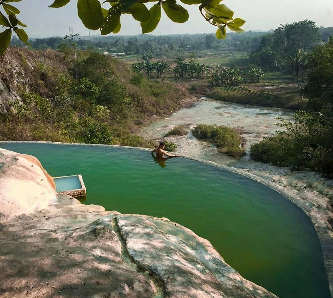 Pemandian Air Panas Ciseeng Bogor