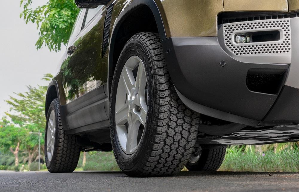 Land Rover Defender phiên bản 3 cửa đã có mặt tại Việt Nam