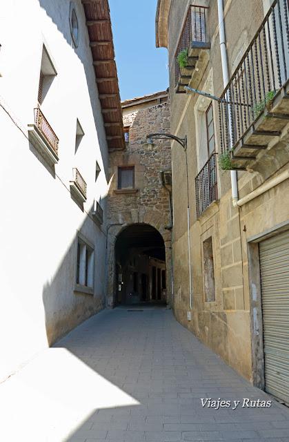 Portal Nou de Santa Pau, Girona