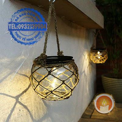 Lọ đèn lưới treo cây sân vườn pin sạc năng lượng