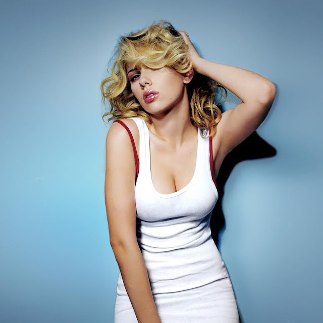 Scarlett Johansson Hot Pics and Bio