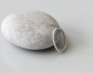 hopeatyöt, hopeakorut, hopeasormus, pallolanka