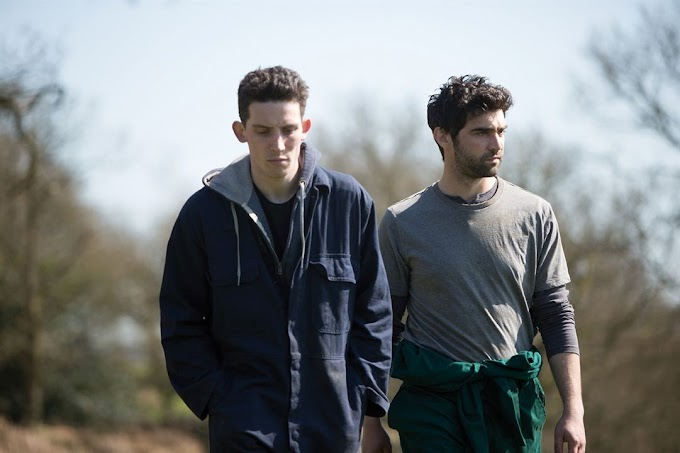 "Josh O'Connor e Alec Secareanu Pelados em ""God's Own Country"""