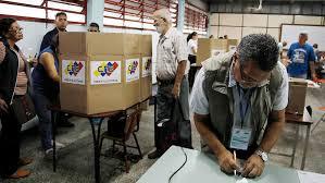 Observadores reportan personas extrañas a las mesas en 66% de centros electorales