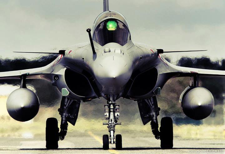 Defence Aviation News Eurofighter Typhoon Vs Dassault Rafale
