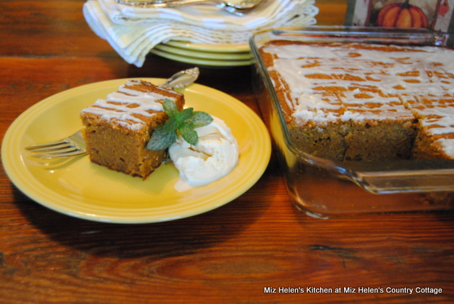 Pumpkin Blondie's at Miz Helen's Country Cottage