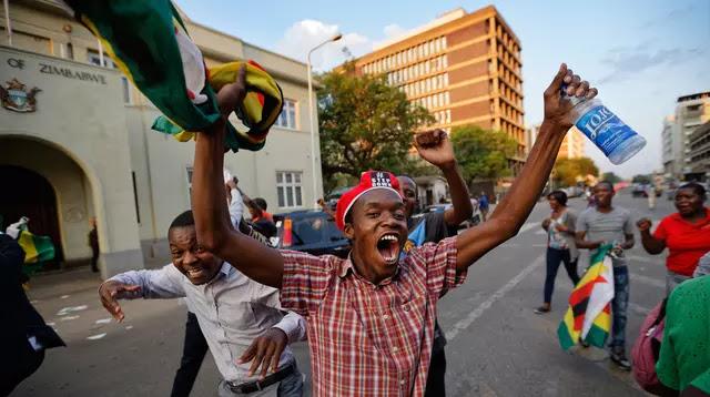 Diktator dan Praktek KKN Merajalela, Rakyat Zimbabwe Rayakan Berakhirnya Rezim Robert Mugabe yang Berkuasa 37 Tahun...