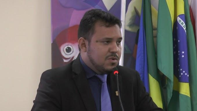 Vereador Diego Mota defende o prefeito Valmir Clímaco das acusações de que teria incitado a população a receber com violência servidores da FUNAI.