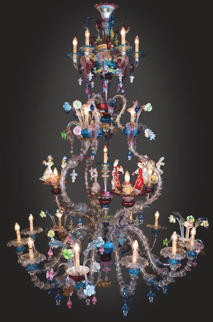 lampadario-di-murano-con-statue-di-vetro