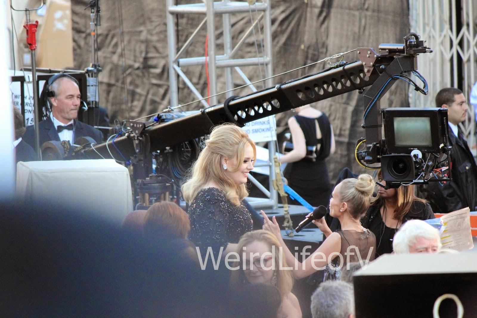 Adele being interviewed by Kristien Chenoweth