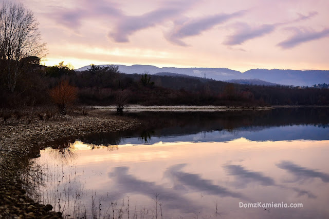 Lago di Bilancino - Mugello, Dom z Kamienia blog