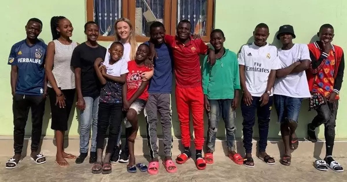 26-Year-Old British Woman Takes In 14 Children After Volunteering At An Orphanage In Tanzania And Adopts 9 Of Them