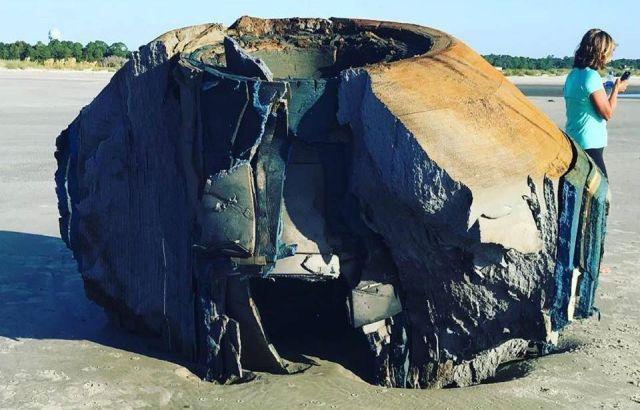 Mysterious Object washed ashore on Seabrook Island, South Carolina  Mysterious%2Bobject%2BSouth%2BCarolina%2B%25281%2529