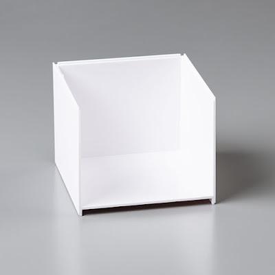 Les nouveaux rangements Stampin' Up! permettent de ranger des perforatrices dans le compartiment ouvert (#149171):