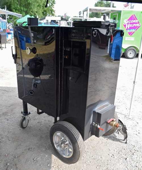 Deep South Smokers gravity fed box cooker at the 2019 Praise The Lard BBQ Contest