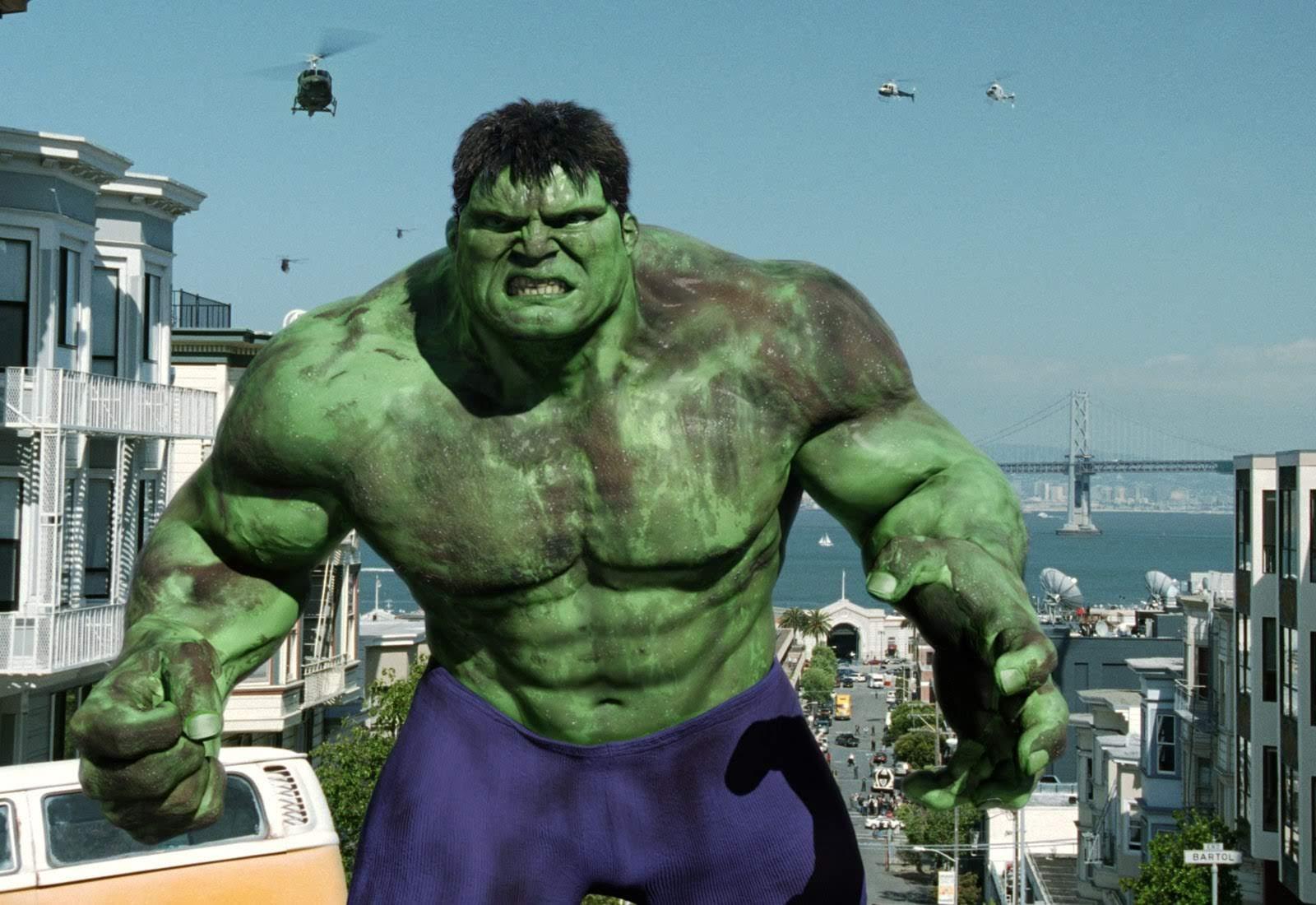 Every Hulk Smash : エリック・バナが変身したミドリのモンスターが大暴れする「ハルク」のアクションの見どころを全部まとめたハルク・スマッシュ総集編の約10分半のビデオをお楽しみください ! !