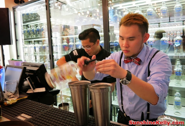 absolut, World First ABSOLUT Brand Store, KLIA, absolut hibiskus, absolut collection, mixology