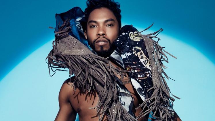 """Além do Tame Impala, o single """"Waves"""", do disco """"Wildheart"""", foi relançado com participações da Kacey Musgraves e do rapper Travis $cott."""