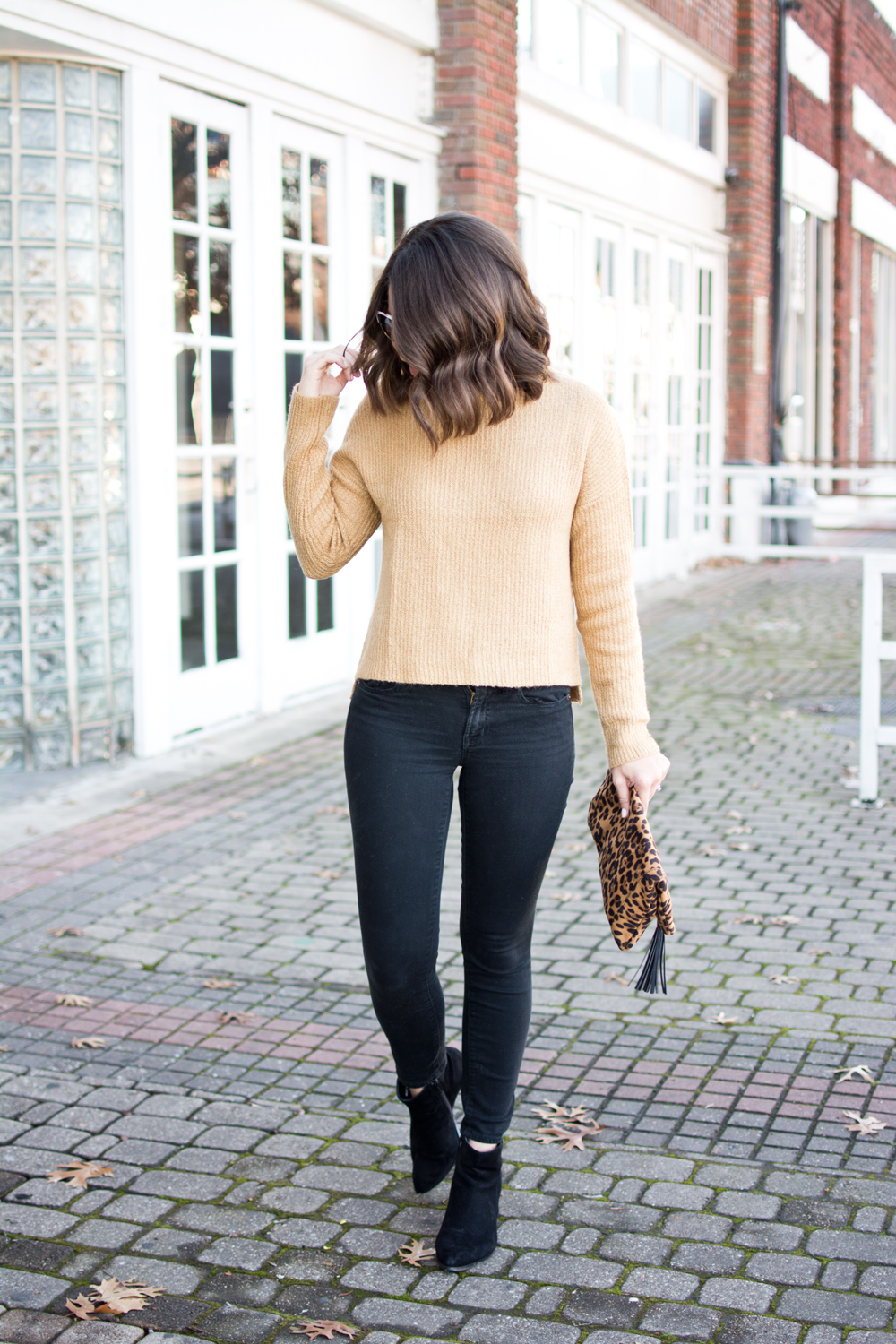neutral outfit idea, funnel neck sweater, mock neck sweater, winter blogger outfit, blogger outfit idea, outfit of the day, fall fashion, fall outfit idea, winter style, blogger style, leopard clutch, how to style a leopard clutch, how to style a mock neck sweater