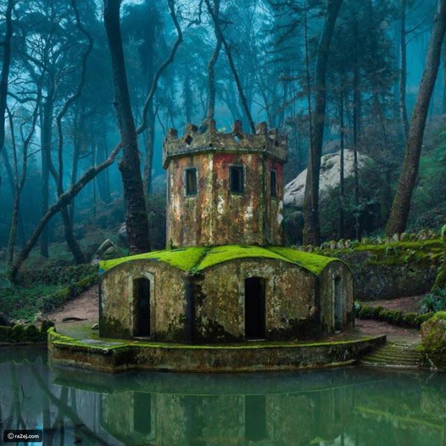 حطام قلعة قديمة في سنترا،البرتغال