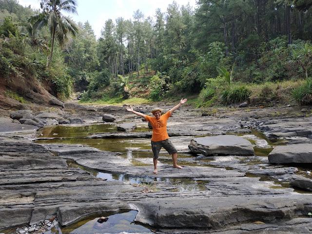 eksotisnya sungai koncong sempor kebumen