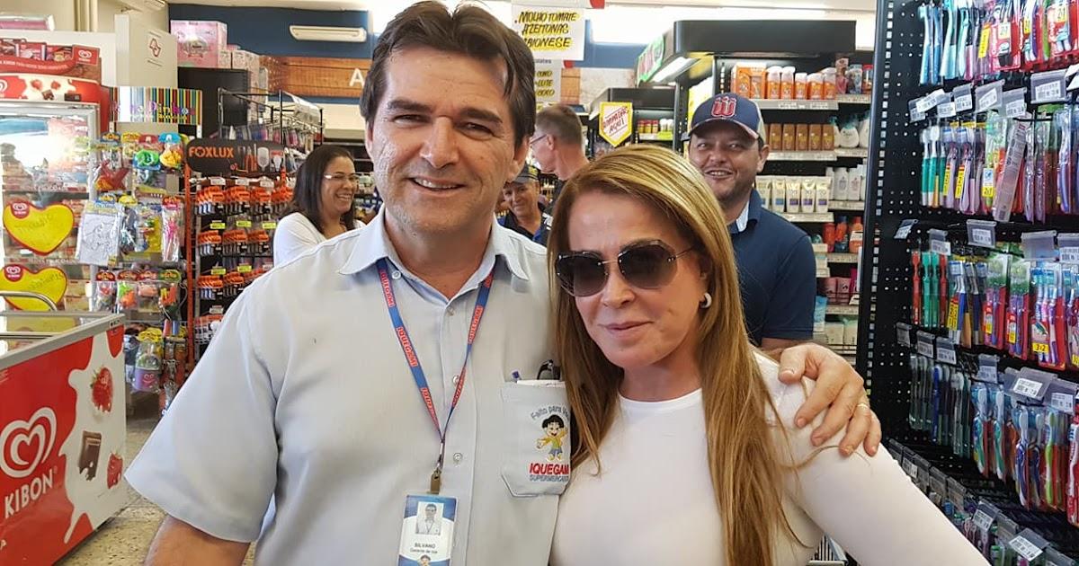 932baff8a Zilu Camargo no Iquegami Supermercados em Monte Azul Paulista.