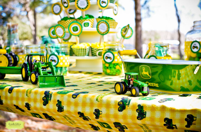Party Favors Favor Bags Included John Deere Plastic Cups Popcorn And Small Farm Animals The Were Wrapped Up With Green