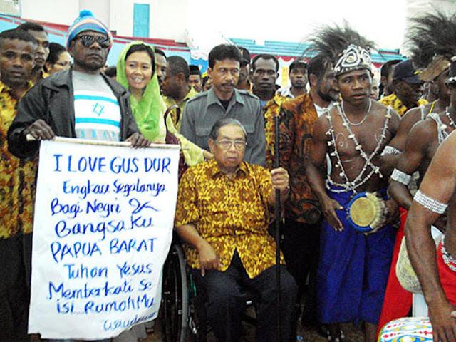 Penduduk Papua: Gus Dur Bapak Kami, Kamu Jangan Hina Bapak Kami