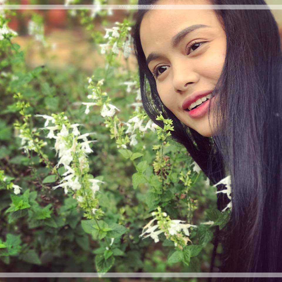 Weekly Updates : Aye Wut Yi Thaung News , Remax Brand Ambassador , Mandalay Trip and Snaps With Flowers