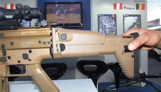 Tombol konfigurasi popor FN SCAR-H