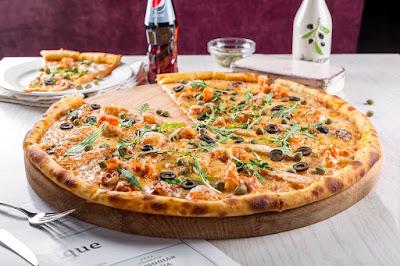 """مطاعم """"بيتزا هت"""" الشهيرة تعلن إفلاسها"""