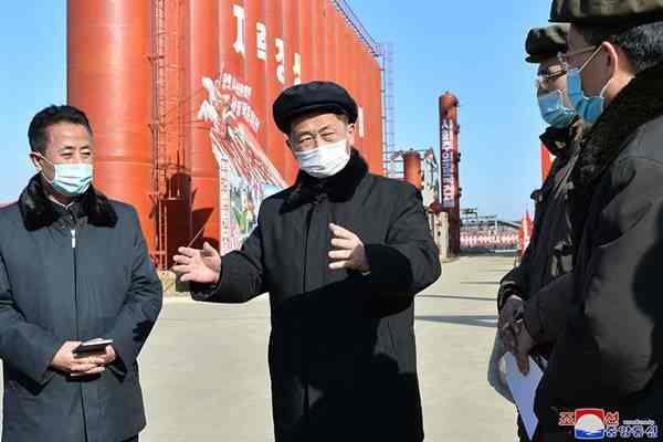 Kim Tok Hun at the construction sites of the project for creating the C1 chemical industry