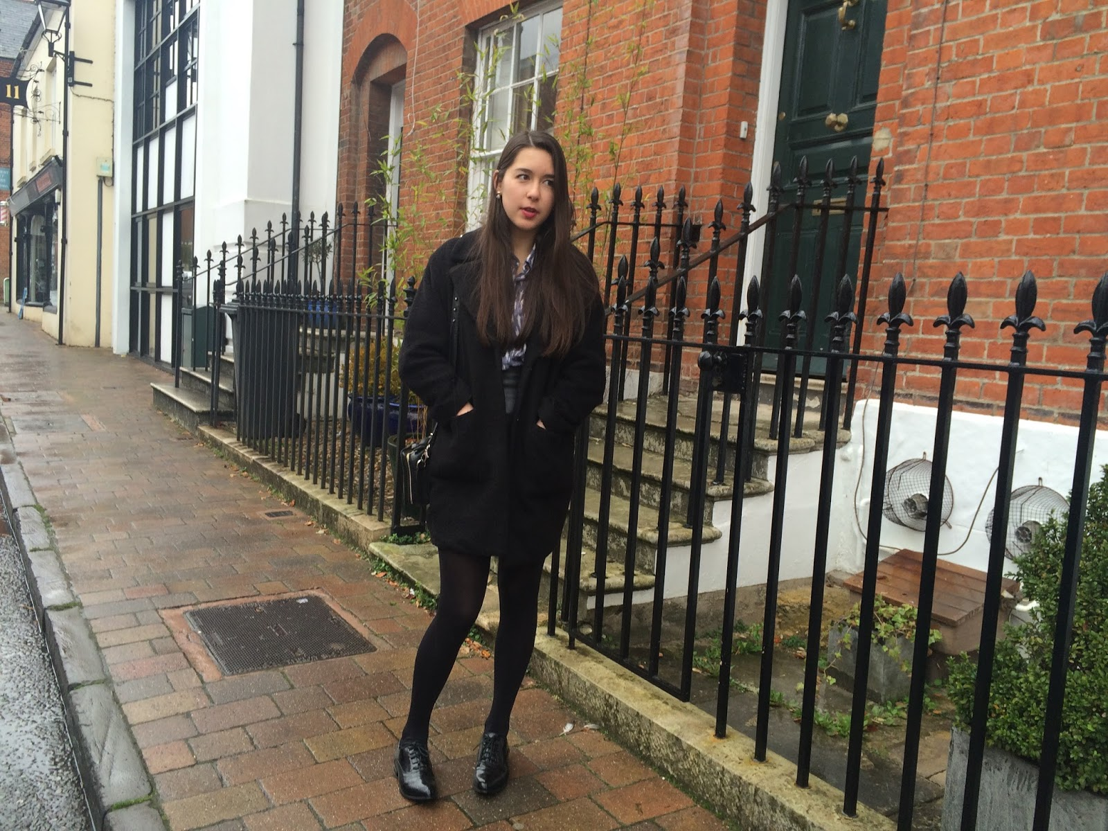 ootd, street style, blogger, autumn, skirt, coat, brogues, box bag