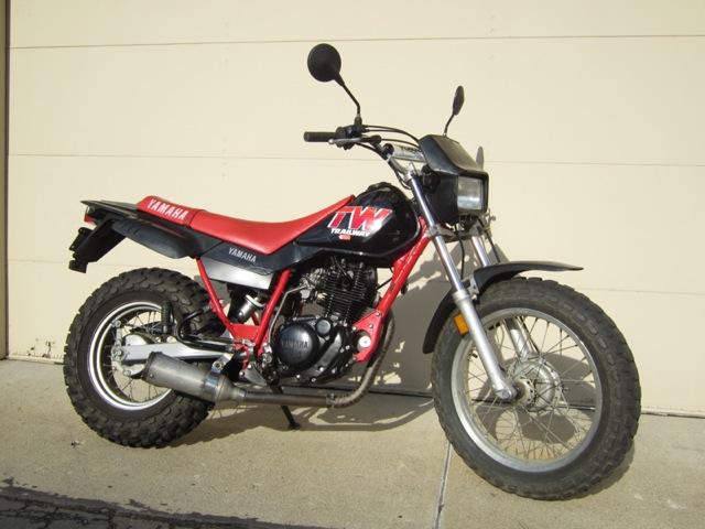 LIFE IS SIDEWAYS: Yamaha TW200 / 250 modified