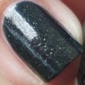 https://www.beautyill.nl/2013/03/opi-live-and-let-die-majestys-secret.html