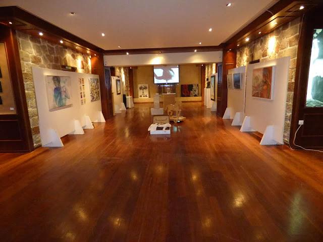 """Εγκαινιάσθηκε η εικαστική έκθεση """"Τέχνες και Θέατρο"""" στο Ξενία Επιδαύρου"""