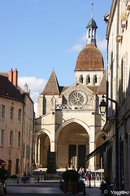 La Basilica Collegiale di Notre Dame nel centro di Beaune