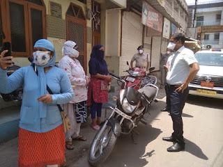 कोरोना मुक्त अभियान के तहत शहर में 409 सर्वे दल घर-घर जाकर कर रहे हैं सर्दी-बुखार के मरीजों का सर्वे