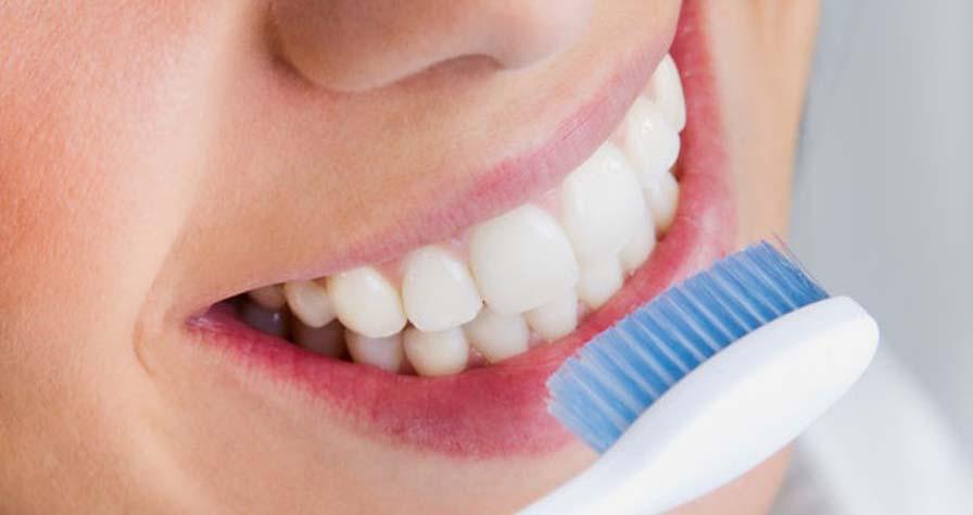Kebiasaan Yang Harus Dihindari Agar Gigi Putih Dan Bersih