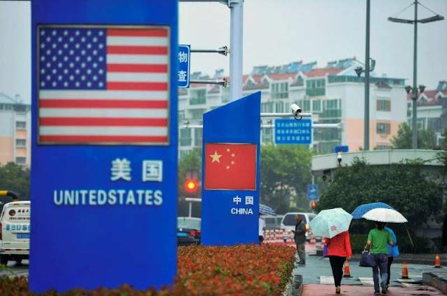 Os Estados Unidos começam a aplicar tarifas sobre bens chineses