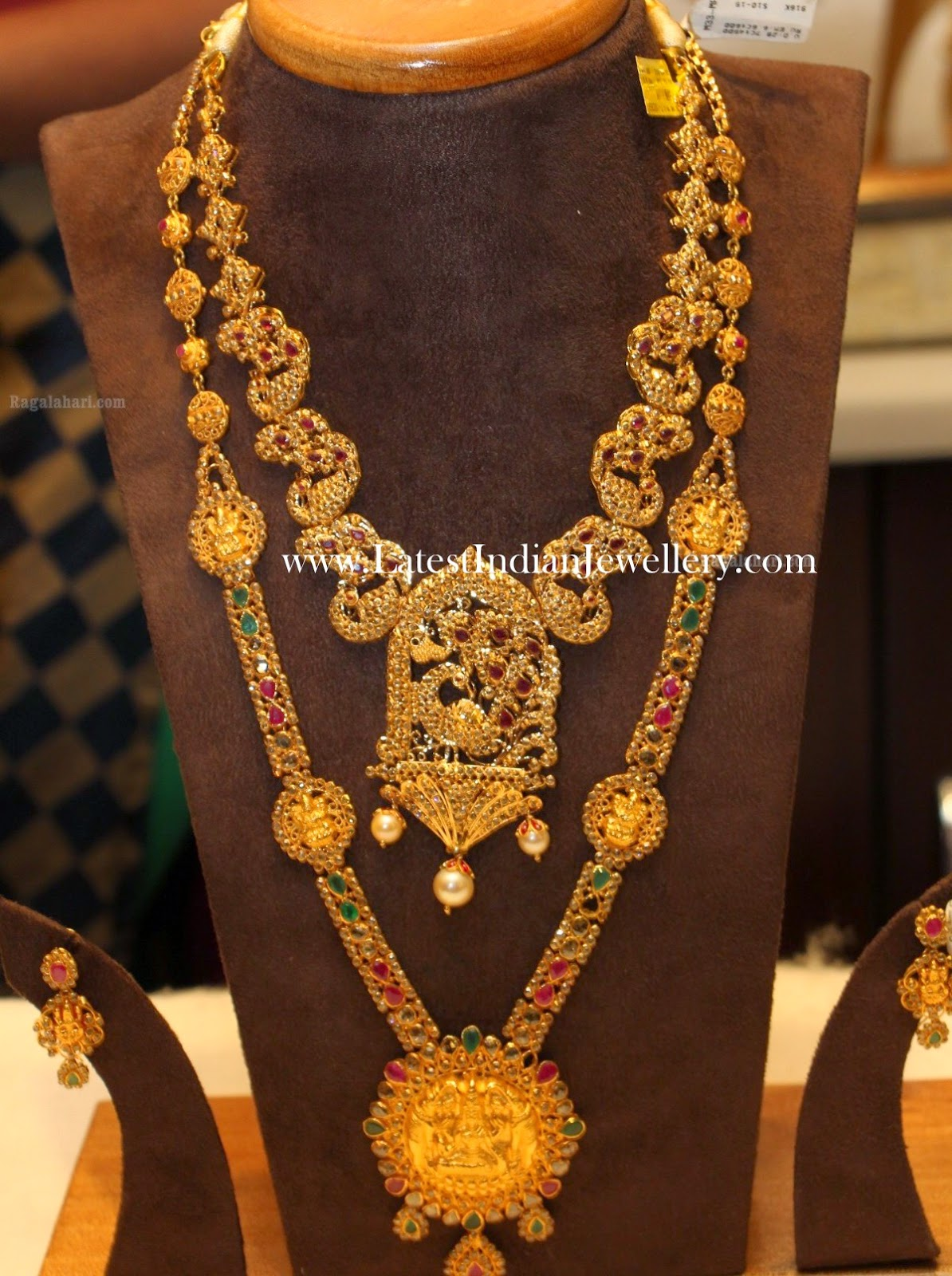 Latest Gold Bridal Jewellery Sets With Uncut Diamonds
