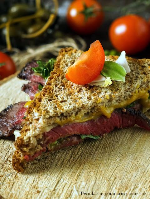 kanapka, rostbef, wolowina, pieczen, chleb, kolacja, bernika, kulinarny pamietnik