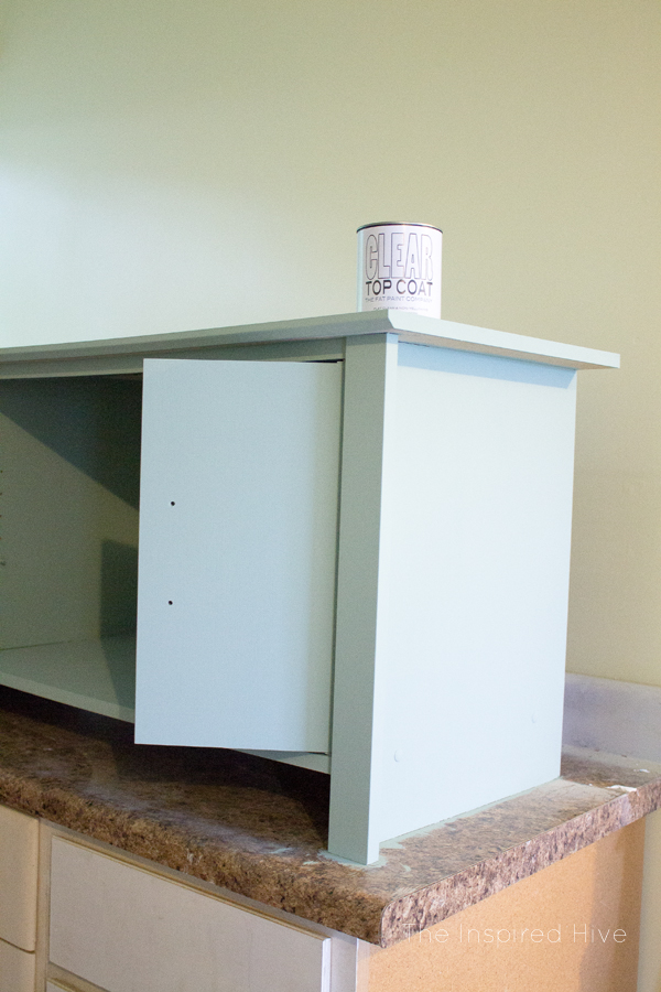 How to paint a lasting finish on laminate furniture