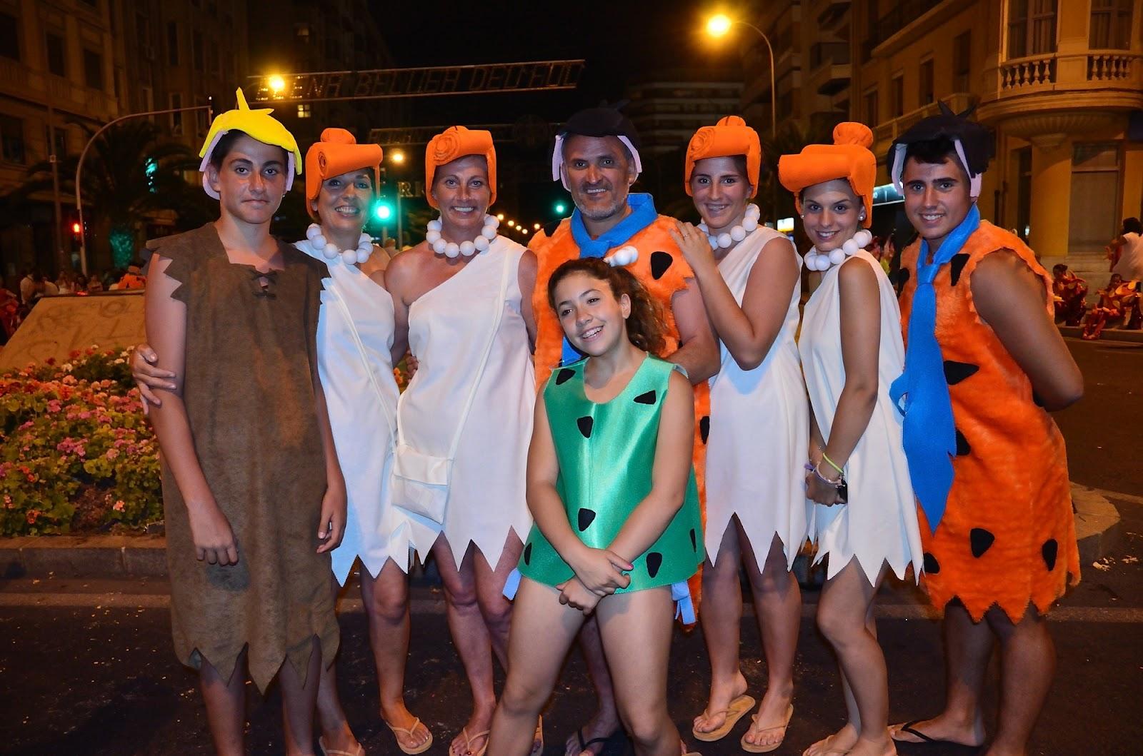 Alicante siempre hsj desfile ninot los picapiedras - Disfraz picapiedra casero ...